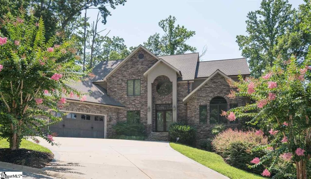 35 Timberline Dr, Travelers Rest, SC 29690