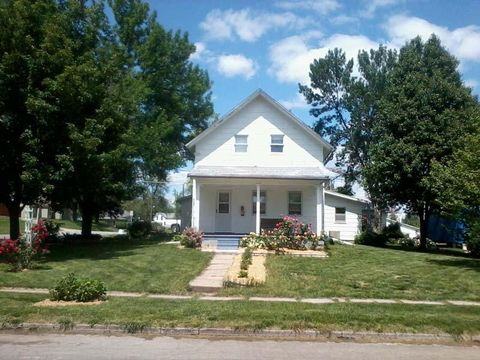 1101 E 2nd St, Maryville, MO 64468