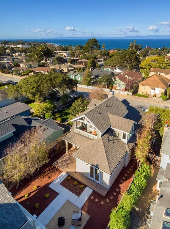 275 Spruce Ave, Pacific Grove, CA 93950