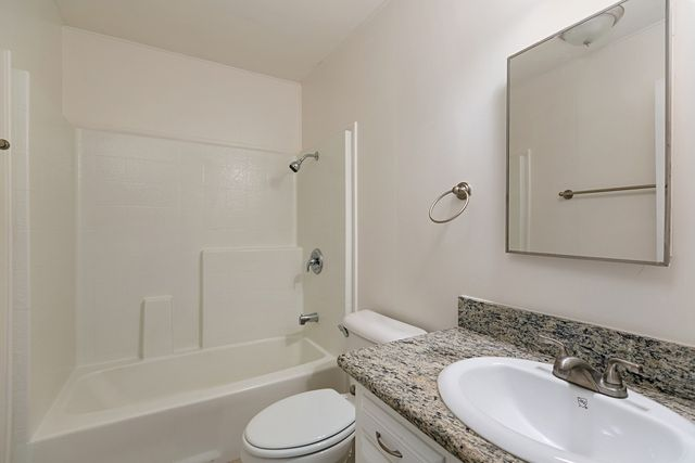 Bathroom Fixtures Escondido 226 belfast gln, escondido, ca 92027 - realtor®