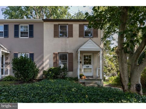 2925 Oakford Rd, Ardmore, PA 19003