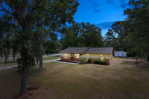 Photo of 1102 Mary Ann Dr, Hinesville, GA 31313