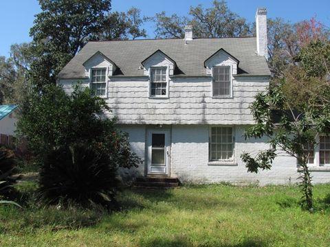 1413 Sycamore Ave Brunswick GA 31520