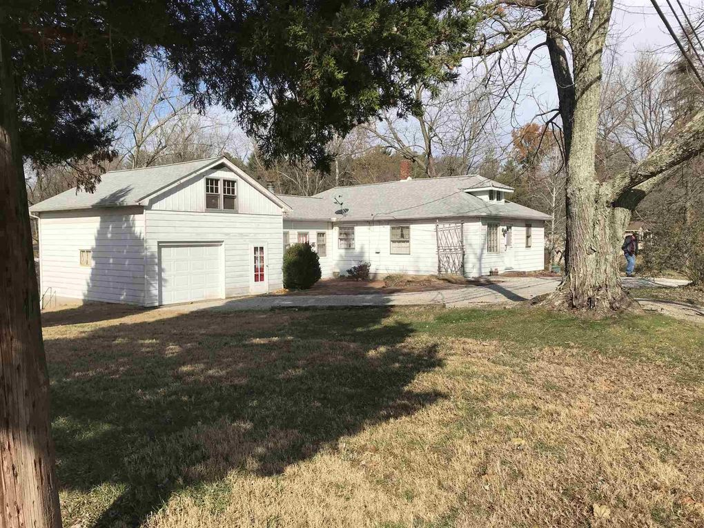 8514 Old State Rd, Evansville, IN 47710