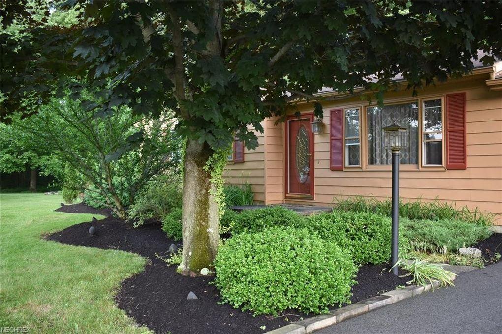 17935 Glendale Ave, Lake Milton, OH 44429 - realtor.com®