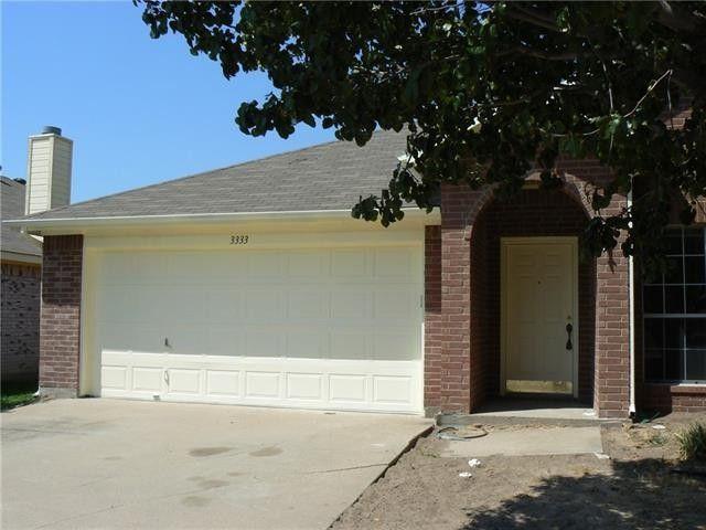 3333 Willouby Dr, Grand Prairie, TX 75052
