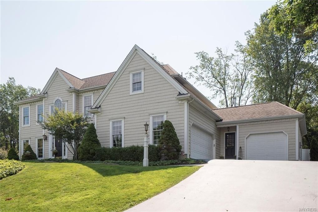 33 Deer Run Orchard Park NY 14127