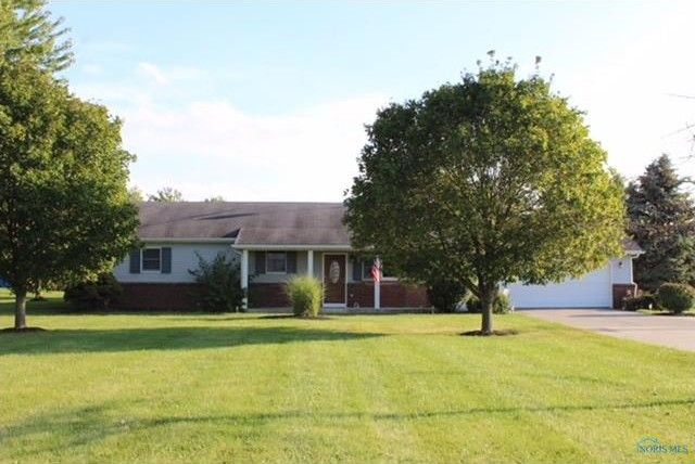 16653 W Poe Rd, Bowling Green, OH 43402