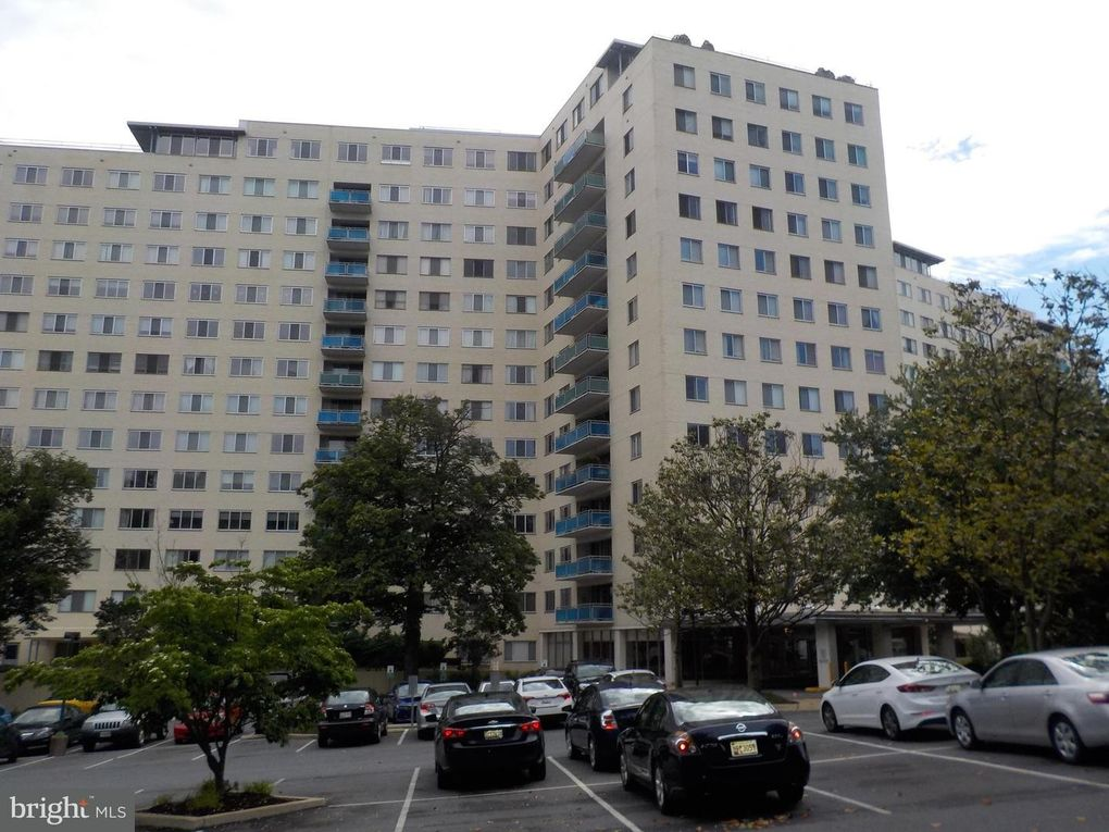 10201 Grosvenor Pl Apt 821, Rockville, MD 20852