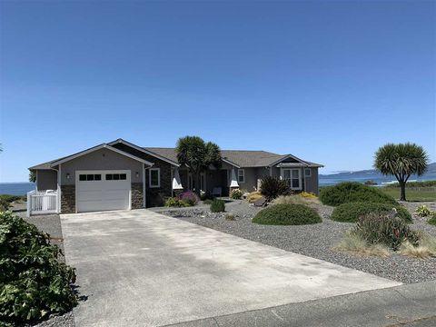 185 Shoreline Dr, Smith River, CA 95567