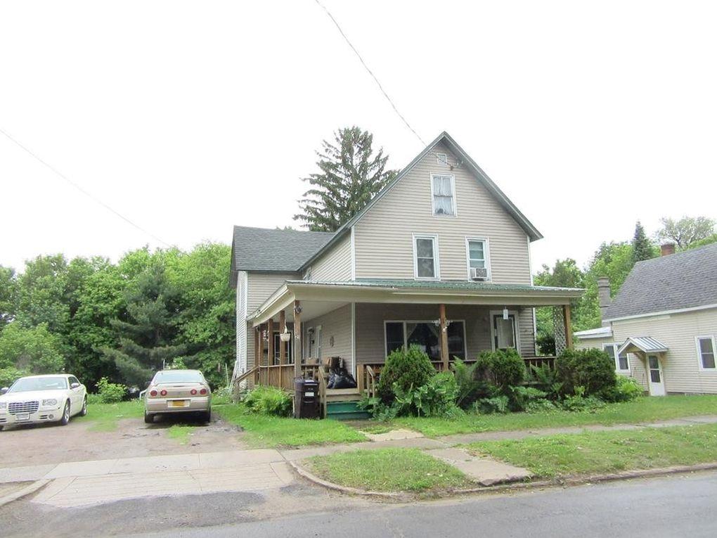 21 Spruce St Malone, NY 12953