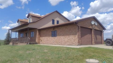 Photo of 29420 206th St, Pierre, SD 57501
