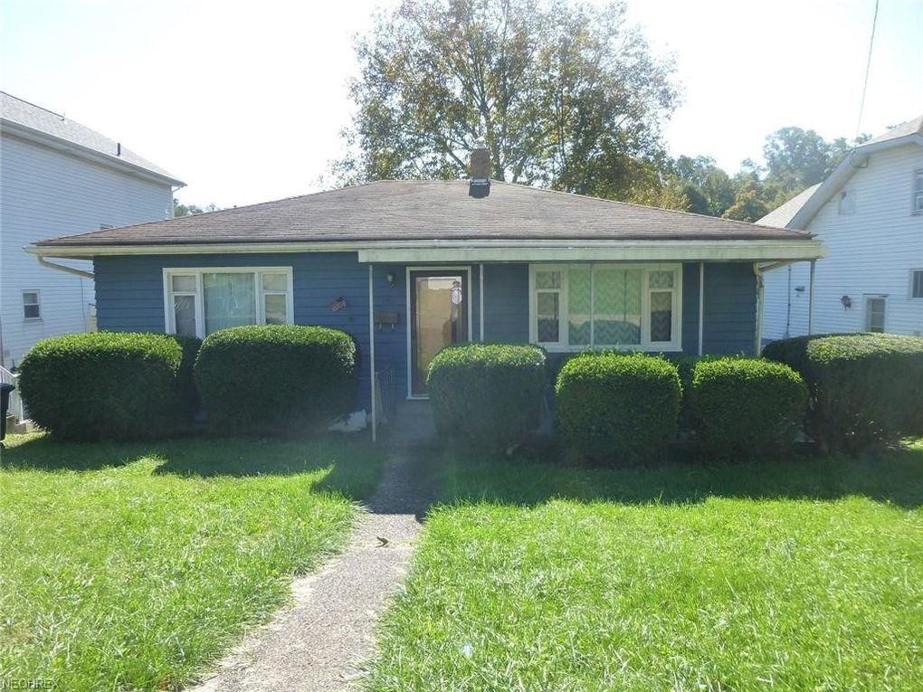 136 Rosslyn Blvd, Steubenville, OH 43952