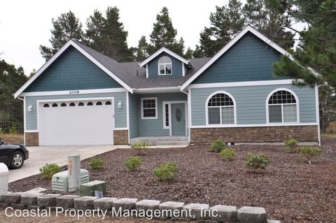 Photo of 2008 Royal Saint George Dr, Florence, OR 97439
