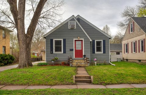 Photo of 207 S Russell Ave, Ames, IA 50010