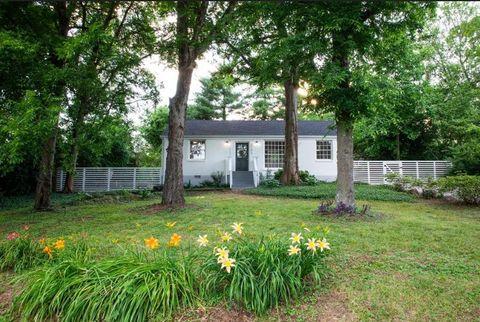 Photo of 2102 Fernwood Dr, Nashville, TN 37216