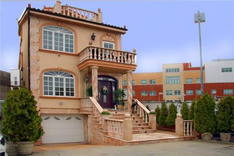 Photo of 38 Forest Pl, Brooklyn, NY 11209