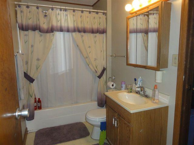 Bathroom Fixtures Janesville Wi 315 s walnut st, janesville, wi 53548 - realtor®