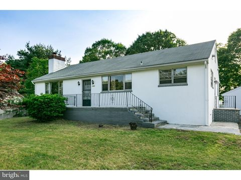 1868 Almonesson Rd, Deptford, NJ 08096