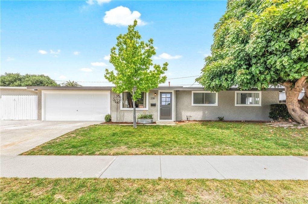 238 Rose Ln Costa Mesa, CA 92627