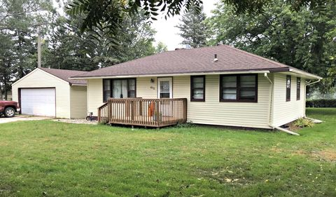 Photo of 610 7th St W, Clear Lake, SD 57226
