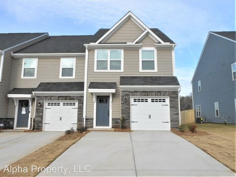 Photo of 106 Roundtree Dr, Simpsonville, SC 29681
