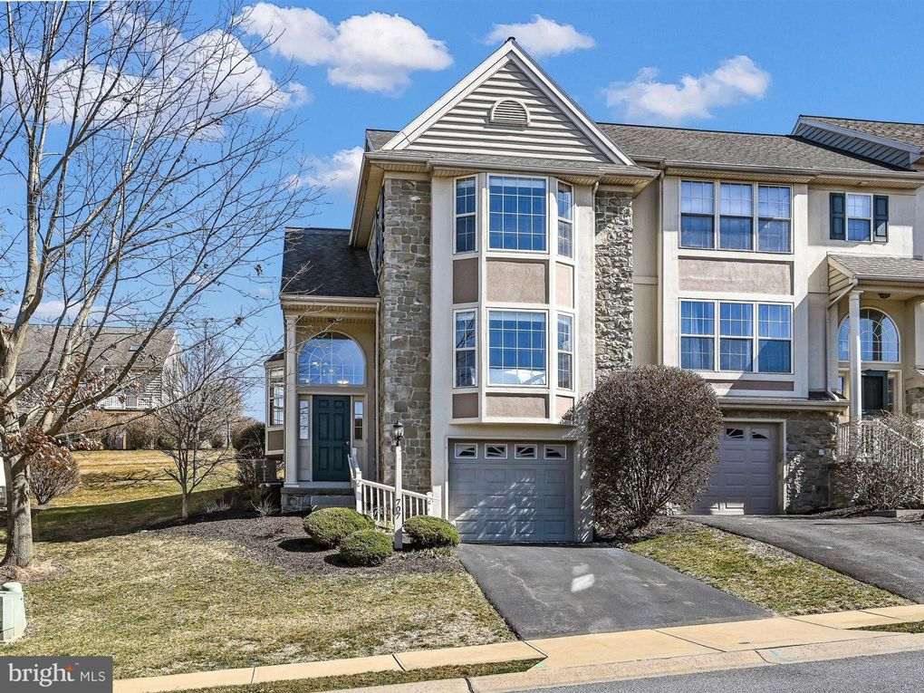 707 Royal View Dr Lancaster, PA 17601