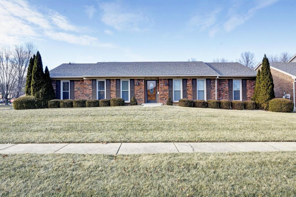 201 Old Towne Rd, Louisville, KY 40214