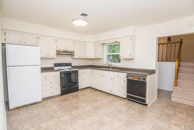 109 Carolyn Ave Salisbury Md 21804 Kitchen