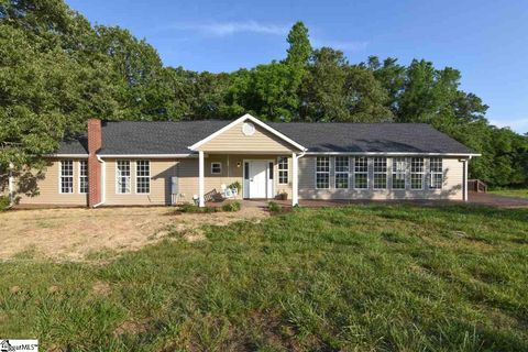 Photo of 801 Deck Rd, Gray Court, SC 29645