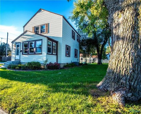 2331 Brown Rd, Oregon, OH 43616