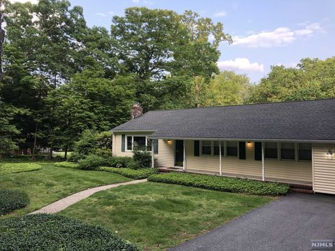 Photo of 251 Kinnelon Rd, Kinnelon, NJ 07405