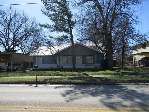 Photo of 206 W Sadosa St, Eastland, TX 76448