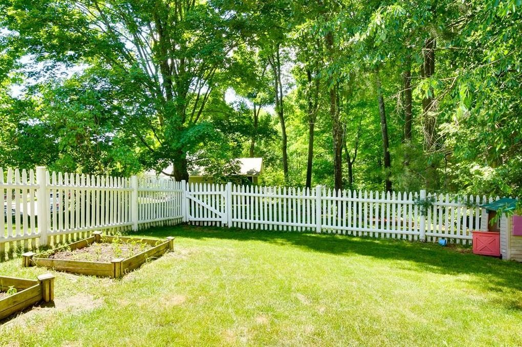 7 Leland Ave, Grafton, MA 01536