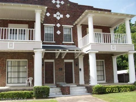 Photo of 961 Old Shell Rd, Mobile, AL 36604