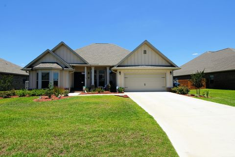 Photo of 412 Chickadee St, Crestview, FL 32539