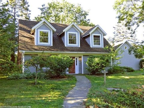 18 Oak Hill Rd, Mount Desert, ME 04660