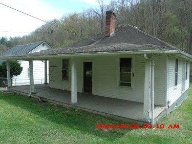 304 Mill Branch Rd, Paintsville, KY 41240