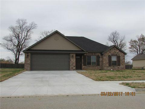 1260 Sebastian Ln, Prairie Grove, AR 72753