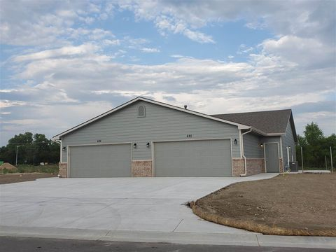 Photo of 634 N Grandstone St, Kechi, KS 67067