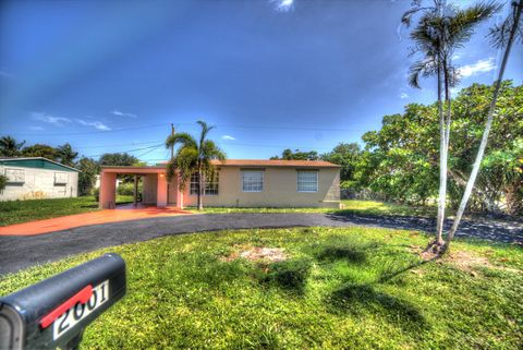 Photo of 2001 Kenwood Rd, West Palm Beach, FL 33409