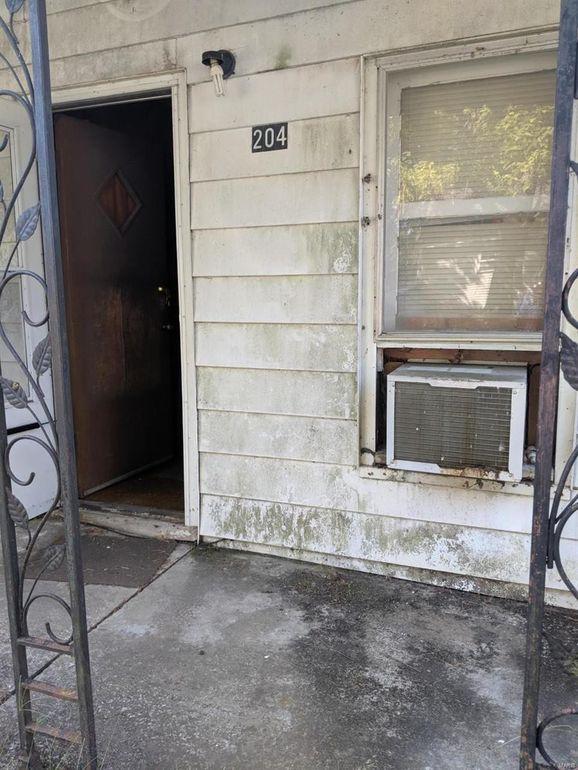204 E Pine St Coulterville, IL 62237