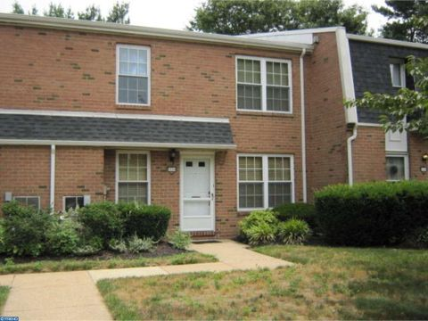 1113 Harbour Dr, Palmyra, NJ 08065