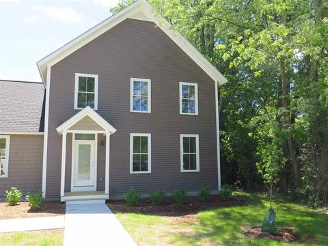 Photo of 83 Center Rd Unit 81 A, Essex, VT 05452
