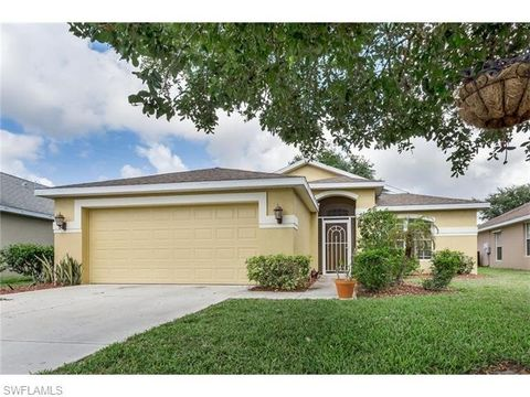 8773 Fawn Ridge Dr, Fort Myers, FL 33912