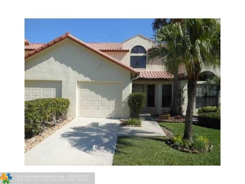 10275 Hidden Springs Ct, Boca Raton, FL 33498