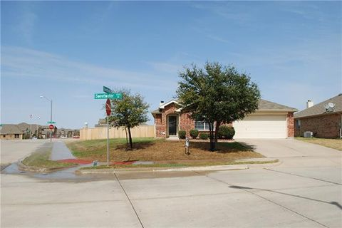 Photo of 1232 Sweetwater Dr, Burleson, TX 76028
