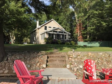 116 Hollister, Old Forge, NY 13420