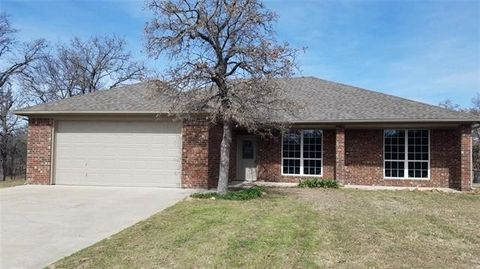 Photo of 158 Howard Rd, Weatherford, TX 76088