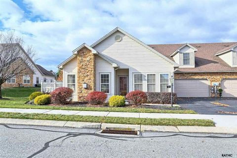 5 Wethersfield Dr, New Freedom, PA 17349